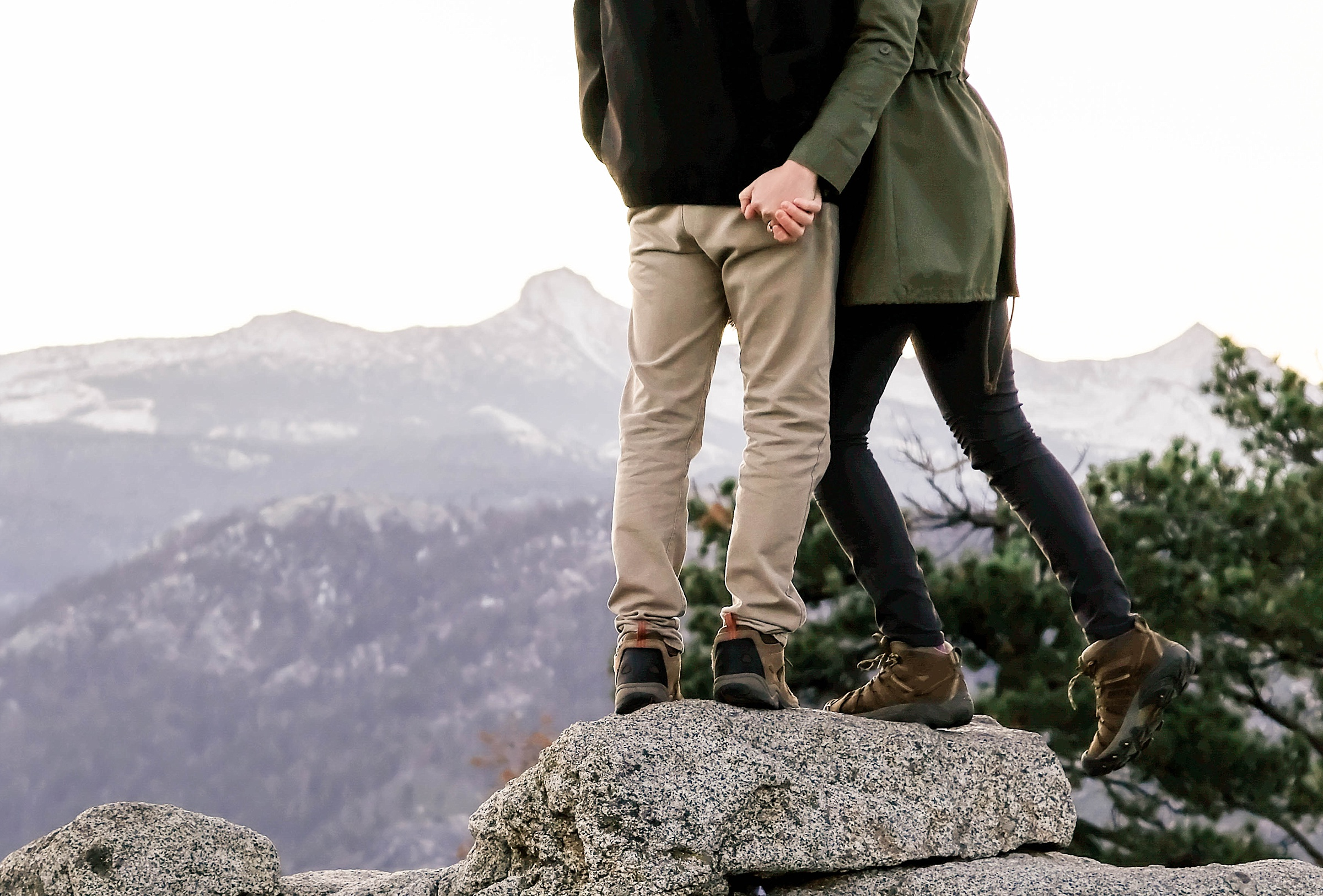 glacier point yosemite national park engagement session destination engagement session sunrise snowy engagement
